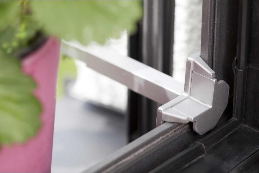 blumenkastenhalterung he32 blumentopfhalter. Black Bedroom Furniture Sets. Home Design Ideas