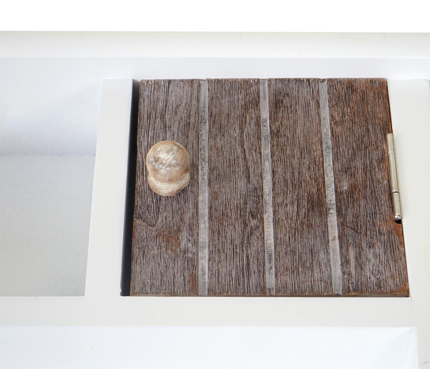 Schlüsselbrett HWC-A48 Detailansicht Ablagefach mit Tür
