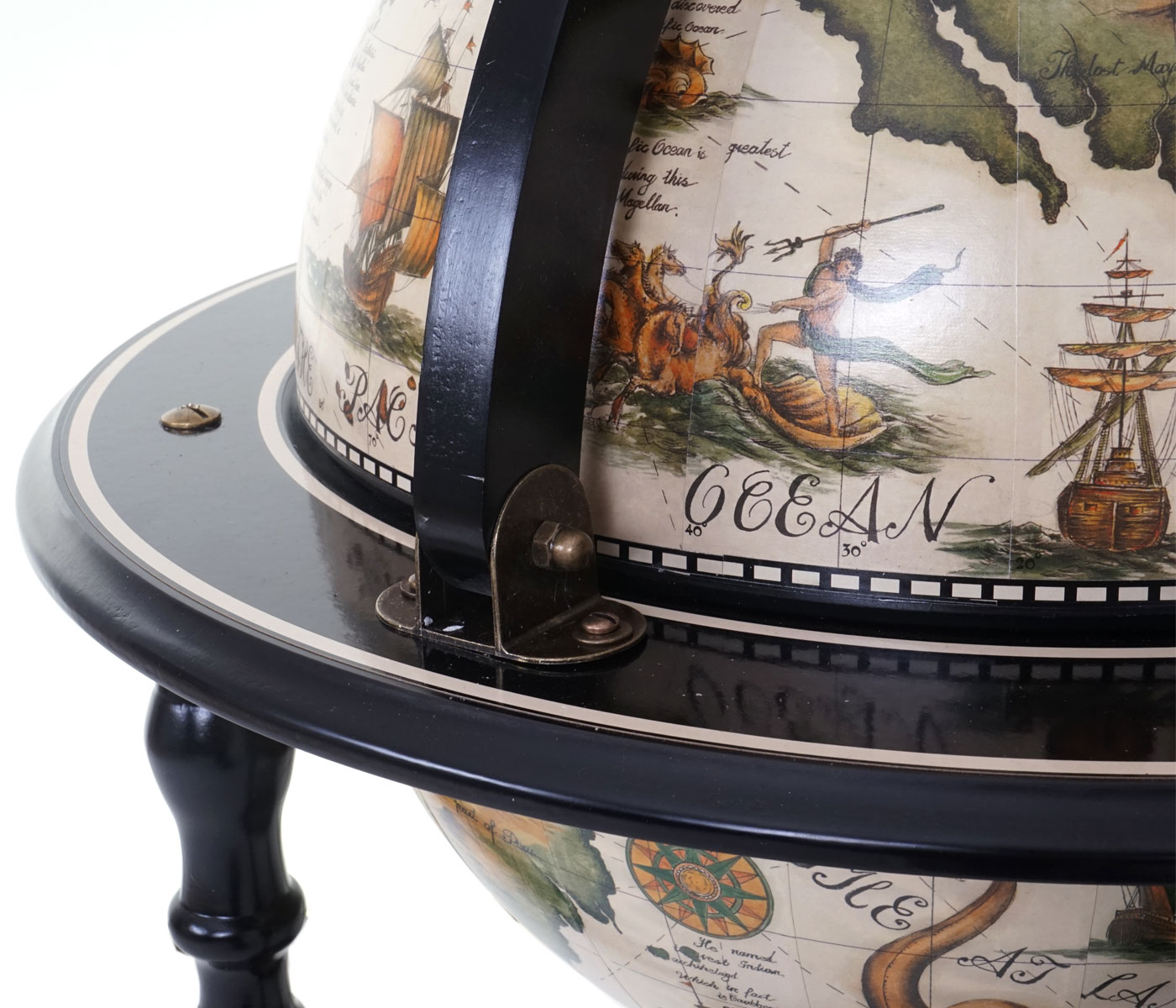 Globusbar Minibar Weinregal HWC-A78 Weltkugel Ø 42cm Eukalyptusholz rollbar