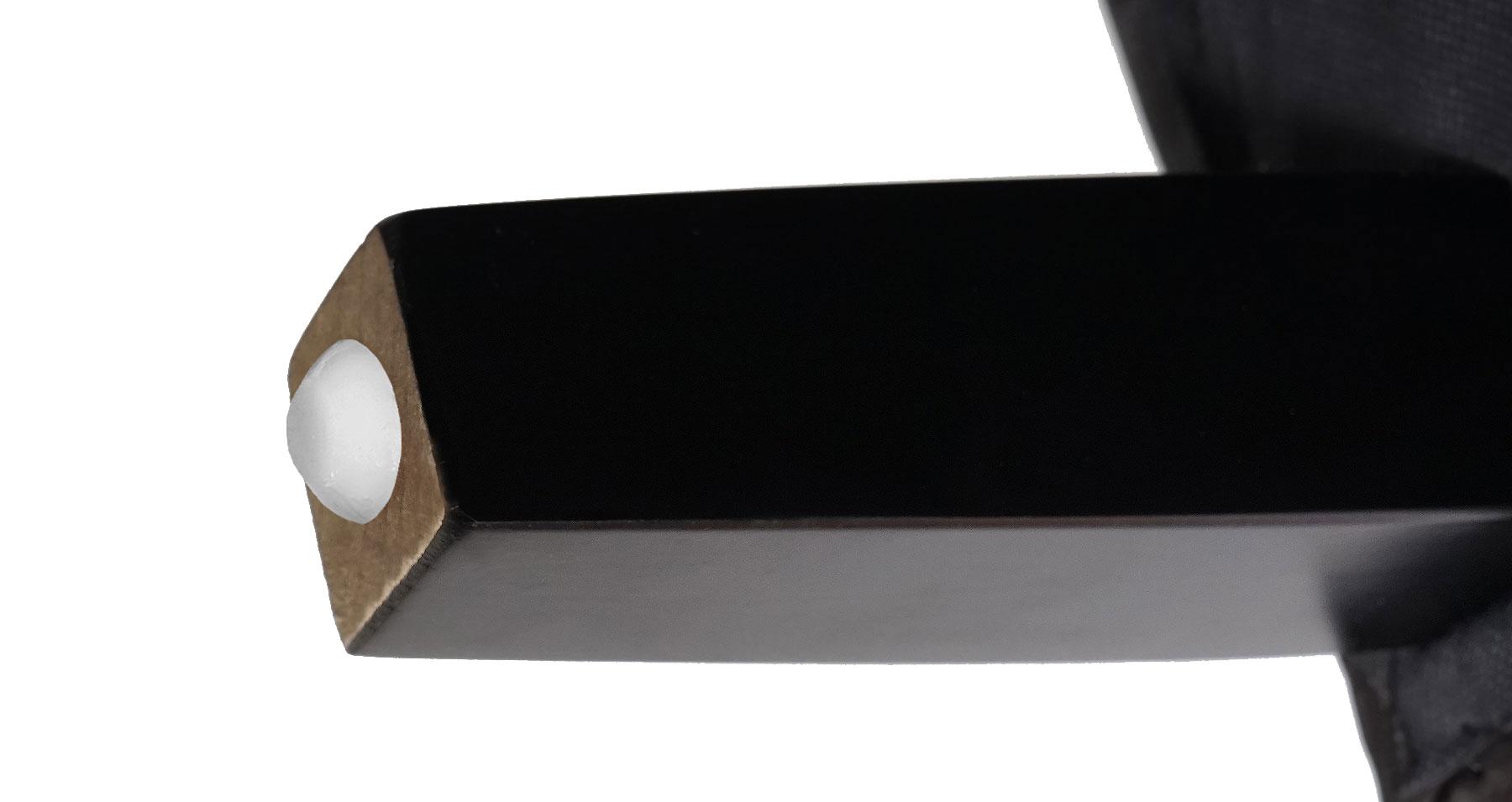 Sessel Newport T810 Detailansicht Füße mit Fußbodenschoner